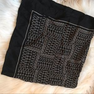 Vintage Echo black & white logo scarf